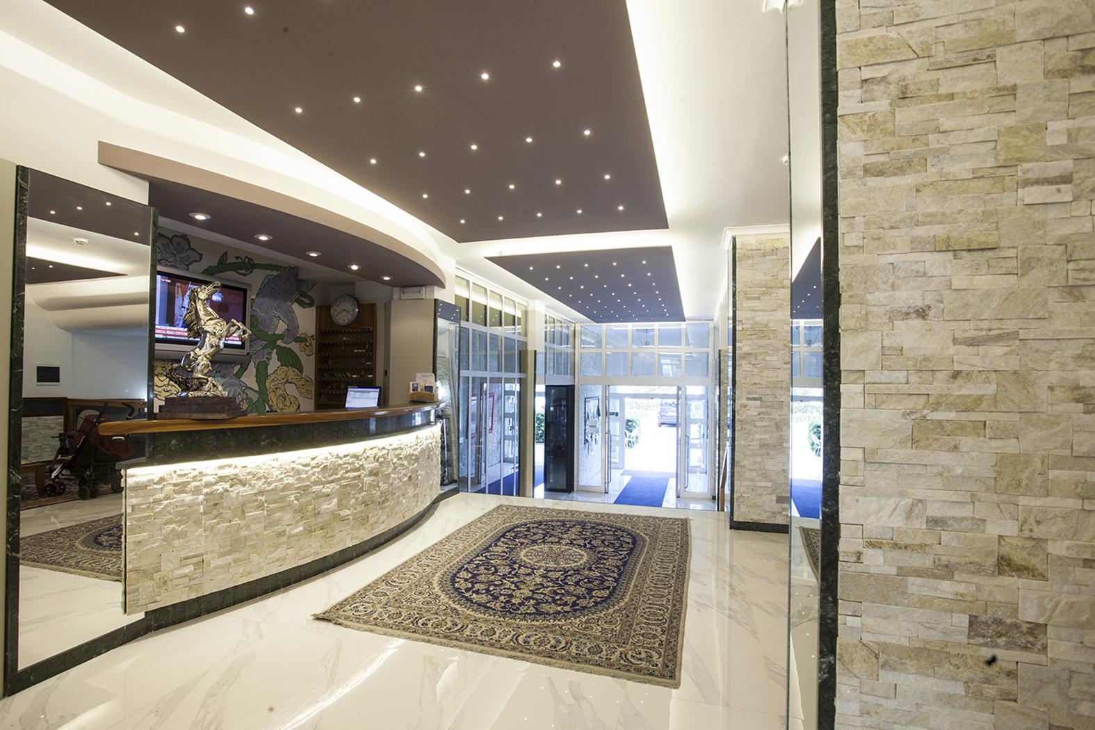 Reception Hotel King