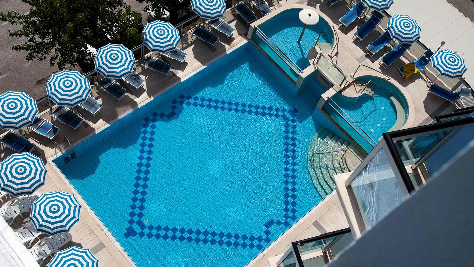 Hotel Alba Adriatica con piscina
